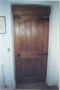 dark oak door web